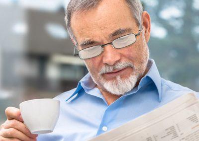 leer con gafas delgadas